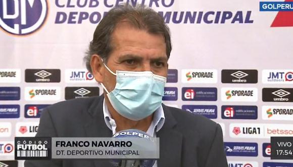 Franco Navarro mostró su incomodidad por el arbitraje de Alarcón (Foto: Captura GolPerú).