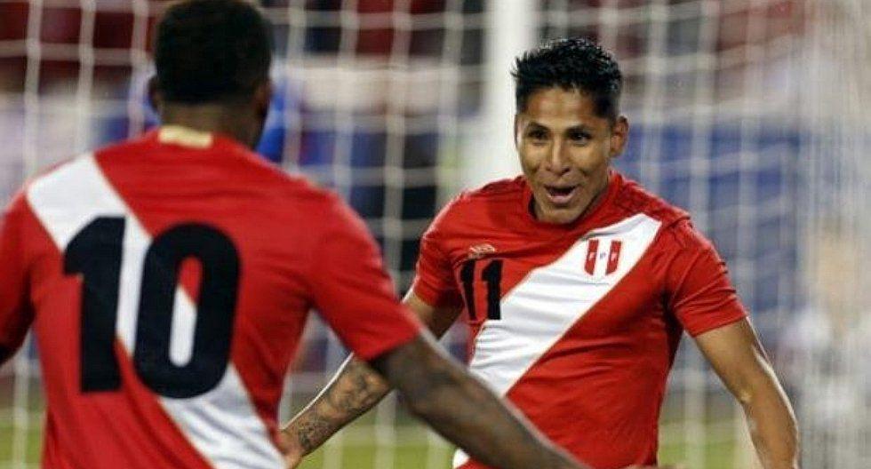 Raúl Ruidíaz celebra incorporación de su hermano a la 'U'