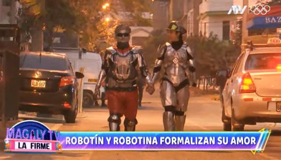 'Robotín' y 'Robotina' formalizan su amor. (Foto: Captura Magaly TV: La Firme).