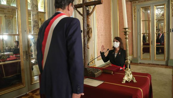 Pilar Mazzetti Soler fue ratificada como ministra de Salud ante el presidente Martín Vizcarra. (Foto: Presidencia)