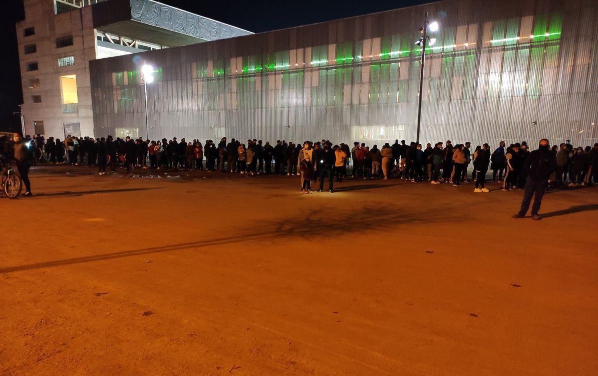 el-barcelona-vs-real-sociedad-genera-aglomeraciones-de-hinchas-en-las-afueras-del-estadio-a-pesar-de-crisis-por-coronavirus-foto
