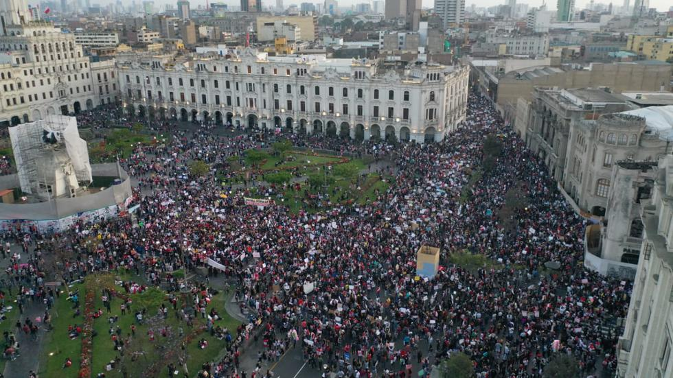 Así luce Plaza San Martín desde el aire tras la llegada de manifestantes  para la marcha nacional | FOTOS | Manuel Merino nndc | TRENDS | EL BOCÓN