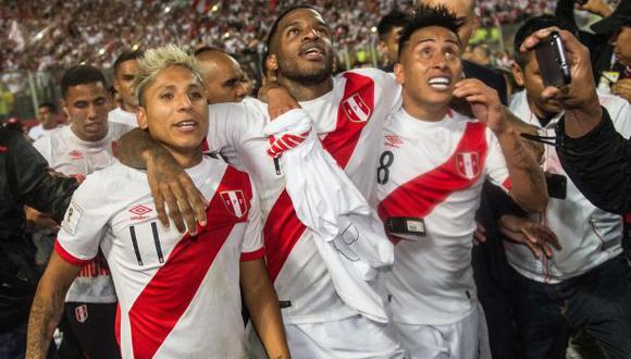 Jefferson Farfán y los elogios a Raúl Ruidíaz. (Foto: AFP)