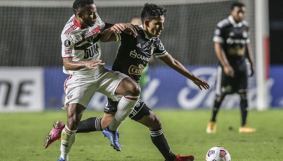 La derrota de Rentistas ante Racing hizo que los rimenes clasifican a la Copa Sudamericana pese a perder frente Sao Paulo. (Photo by Alexandre Schneider / POOL / AFP)