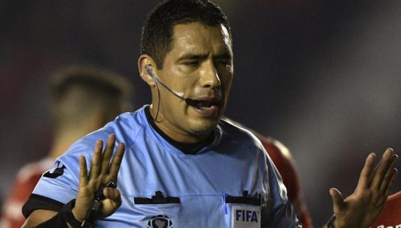 Diego Haro estará a cargo del VAR en la final de la Copa Libertadores 2019 en el Monumental   Foto: AFP