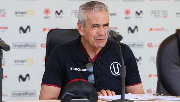 Universitario: ¿Quién puede reemplazar a Gregorio Pérez si no llega a Lima a tiempo?