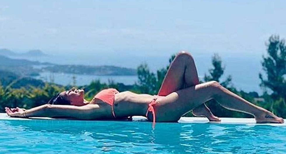 Antonela Roccuzzo estrena ajustado bikini junto a Daniella Semaan, esposa de Cesc Fábregas | FOTO