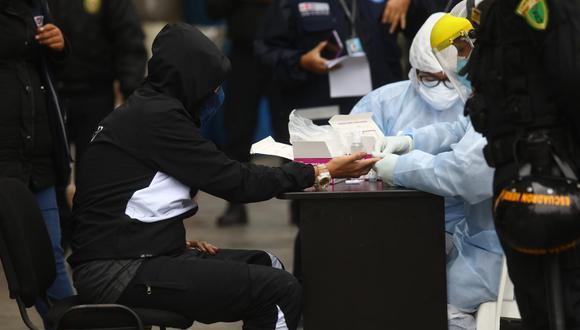Todos los detenidos fueron sometidos a pruebas rápidas. (Foto: GONZALO CÓRDOVA /GEC)