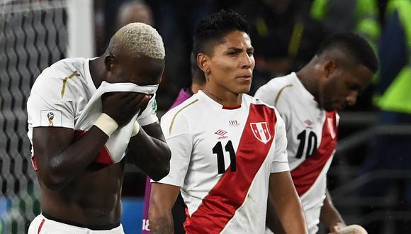 Según informa ESPN (Sport Center) ambos jugadores dieron positivo a la prueba de coronavirus que les realizó a los jugadores de la selección peruana. Ambos no estarán ante Brasil, pues no cumplen con los protocolos establecidos por la CONMEBOL. FOTO: AFP