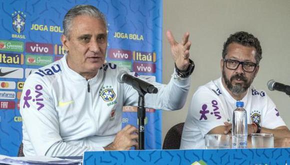 Tite y su asistente Cleber Xavier alabaron a Ricardo Gareca por su trabajo en la selección peruana. (Foto: EFE)
