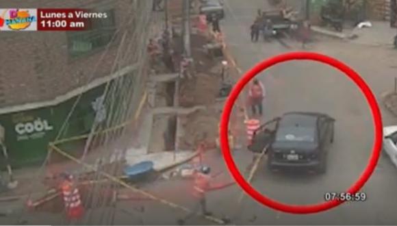 Cámaras de seguridad registraron el momento en que sujetos intentan robar rotomartillo. Foto: captura