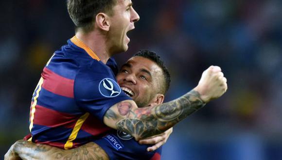Dani Alves jugó con Lionel Messi en Barcelona durante ocho temporadas. (Foto: AFP)