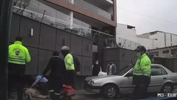 Serenazgo y Brigada de Rescate de Surco socorren a mujer que fue atropellada por su propio esposo por error. Foto: Municipalidad de Surco