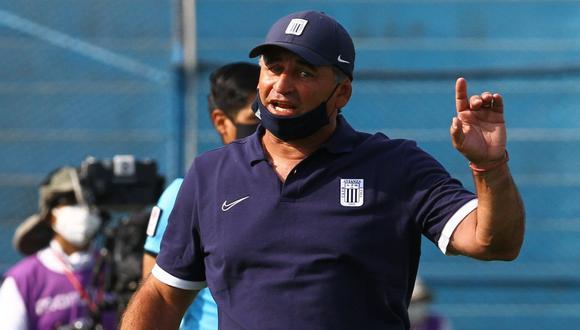 El entrenador de Alianza Lima mostró su molestia tras quedar eliminado en la primera ronda de la Copa Bicentenario. (Foto. Agencias)