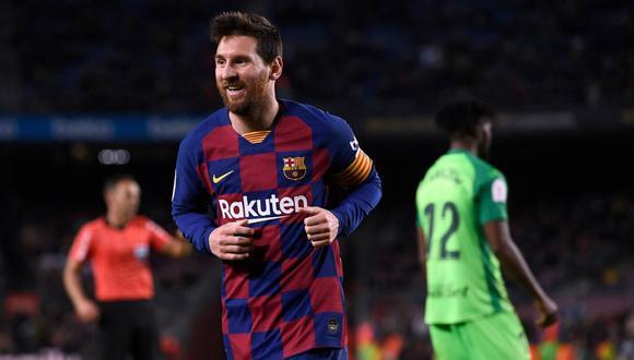 El entrenador de West Ham bromeó con la posibilidad de fichar a Lionel Messi. (Foto: AFP)