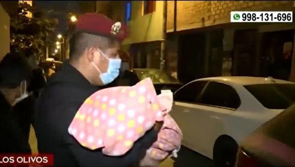 Recién nacido fue abandonado en un parque de Los Olivos. (Captura: América Noticias)