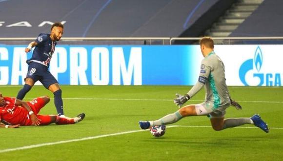 Manuel Neuer evitó que Neymar abra el marcador para PSG