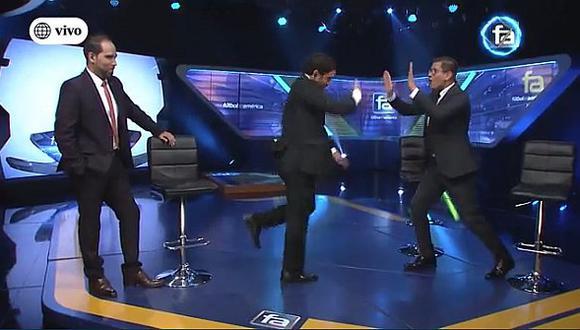 Erick Osores y Óscar del Portal bailaron al ritmo del rap de Cristal