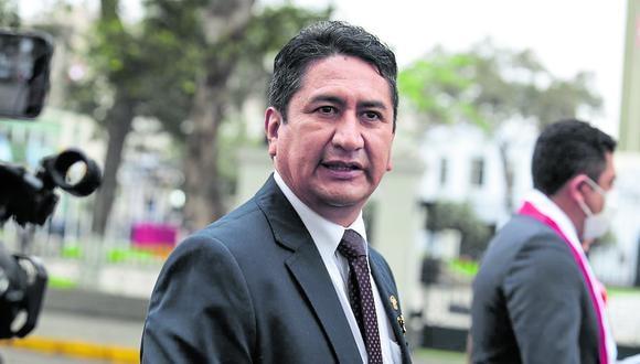 Vladimir Cerrón cuestionó la designación de Óscar Maúrtua como nuevo canciller.