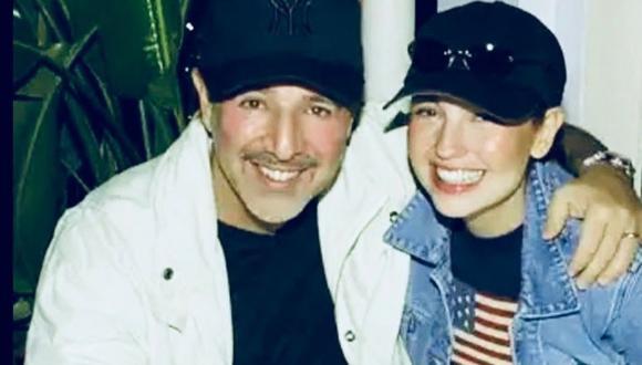 Thalía junto a su esposo Tommy Mottola. (Foto: @thalia)