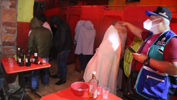 Agentes policiales detuvieron a 29 personas, quienes fueron conducidas a la comisaría de Apolo. (Municipalidad de Lima)