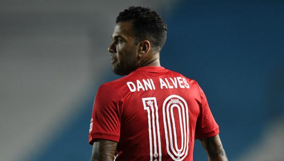 Dani Alves ya no sigue en Sao Paulo. (Foto: AFP)