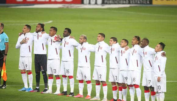 De esta manera cantaron los jugadores de la selección peruana el himno nacional.