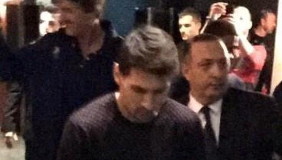 Champions League: Lionel Messi llegó en muletas al Camp Nou [FOTO] [VIDEO]