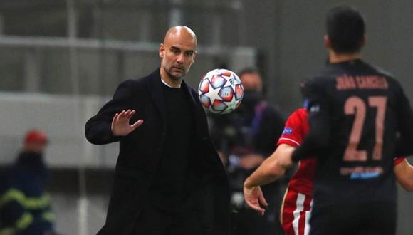 Pep Guardiola reacciona ante pregunta por Lionel Messi (Foto: AP)
