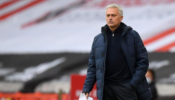 José Mourinho desea en Tottenham un proceso largo como el de Jürgen Klopp en Liverpool. (Foto: AFP)