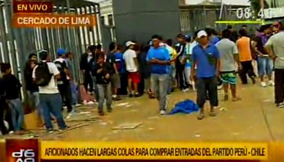 Perú vs. Chile: A pesar del aviso, hinchas siguen haciendo cola [VIDEO]