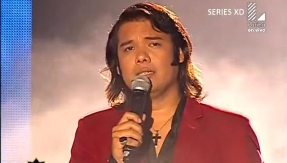 "Sandro de ""Yo Soy"" aparecer cantando desde su balcón durante cuarentena  (Foto: captura)"