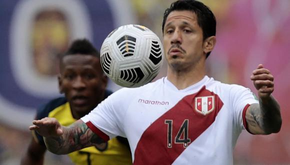 Gianluca Lapadula participó hasta el minuto 91 del Perú vs. Ecuador. El delantero, que dio dos asistencias, terminó exhausto tras ceder la posta a Paolo Guerrero