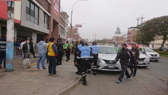 Los serenos fueron atacados a pedradas y botellazos por mototaxistas informales. (Municipalidad del Callao)