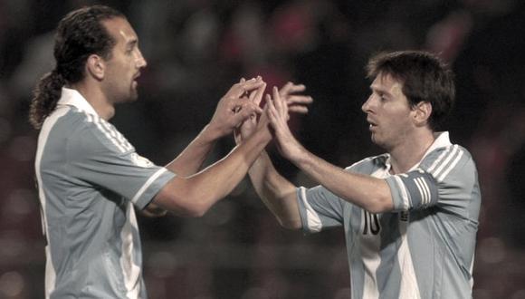 Ambos jugaron juntos ante Chile y Uruguay por las Eliminatorias de Brasil 2014.