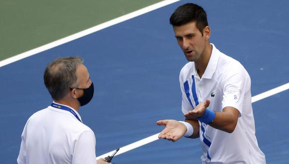 El diálogo entre Novak Djokovic y el supervisor del US Open. (Foto: EFE)