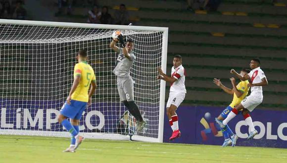 Renato Solis, portero de Perú, se siente culpable por el gol de Brasil. (Foto: Violeta Ayasta - GEC)