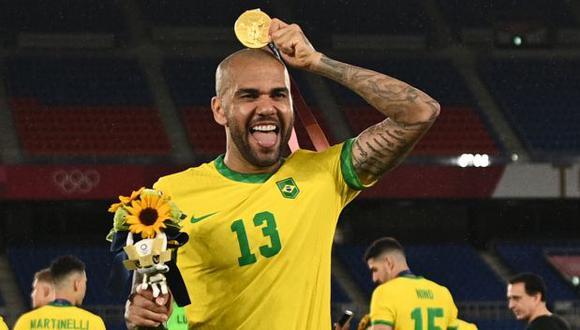 Dani Alves no jugará por ningún club en lo que resta del 2021. (Foto: AFP)