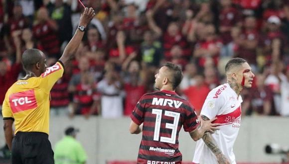 Paolo Guerrero pidió disculpas a compañeros del Inter por expulsión ante Flamengo