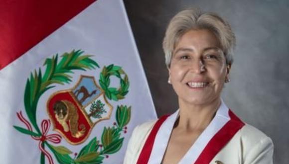 La congresista por Arequipa, María Agüero señaló que su sueldo como congresista no le alcanza para costear sus gastos.