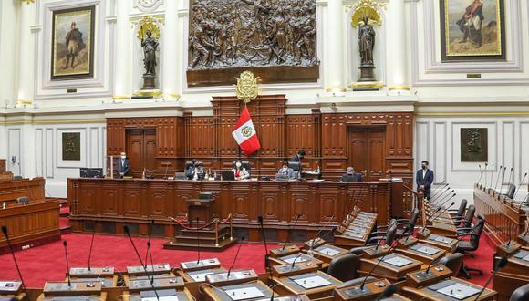 El pleno del Congreso admitió a debate y terminó aprobando que se pida a los legisladores que pasen por un peritaje a los legisladores para descartar vacuna de Sinopharm. (Foto: Congreso)