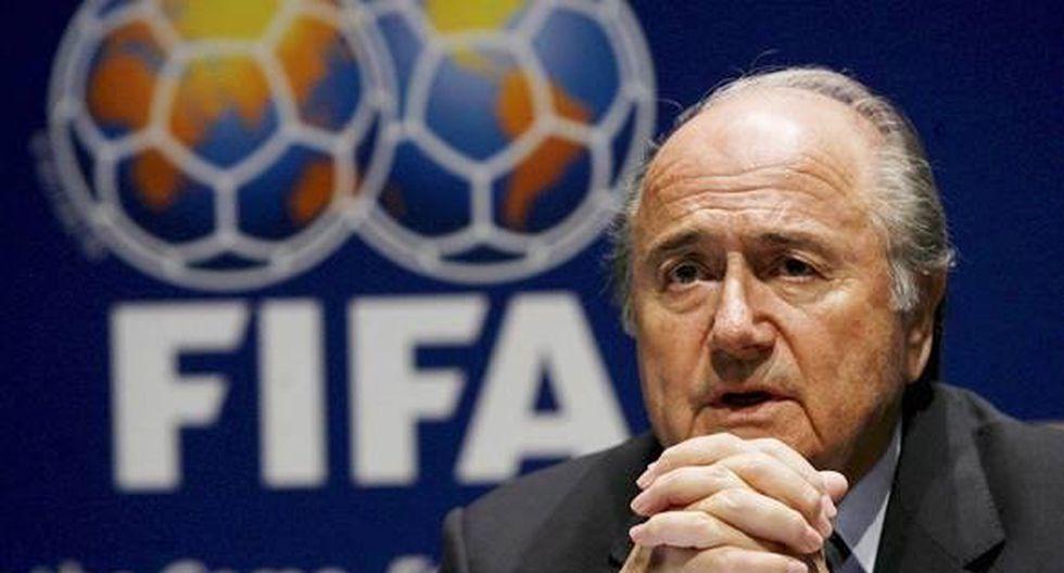 Joseph Blatter anunció que seguirá como presidente de la FIFA