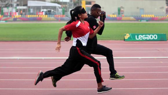 La Para atleta de 25 años participará en los Juegos Paralímpicos y antes de viajar a Tokio, realizó sus últimos entrenamientos en el Estadio Atlético de la VIDENA