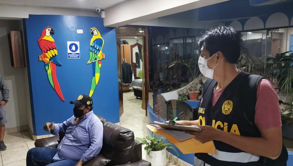Agentes de la Dirección Contra la Corrupción PNP capturaron al alcalde y otras 20 personas durante un megaoperativo. (Foto: PNP))