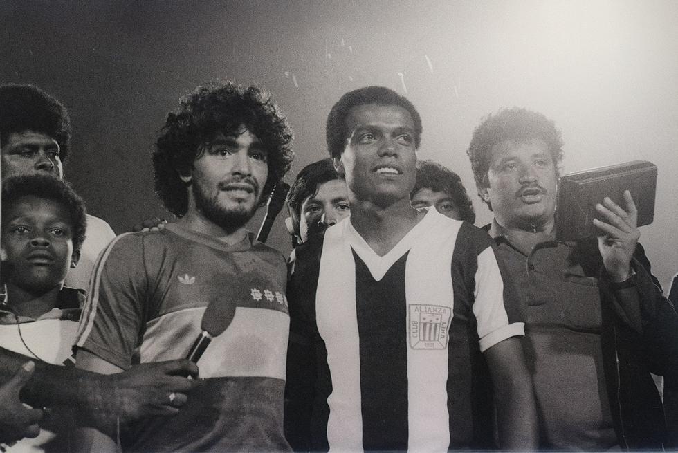 El Nene defendió en el extranjero a los siguientes equipos: FC Basel de Suiza el año 1973, el Porto de Portugal entre los años 1973 a 1977 y al FL Strikers los años 1979 a 1983 y 1988. (Foto: GEC Archivo Histórico)