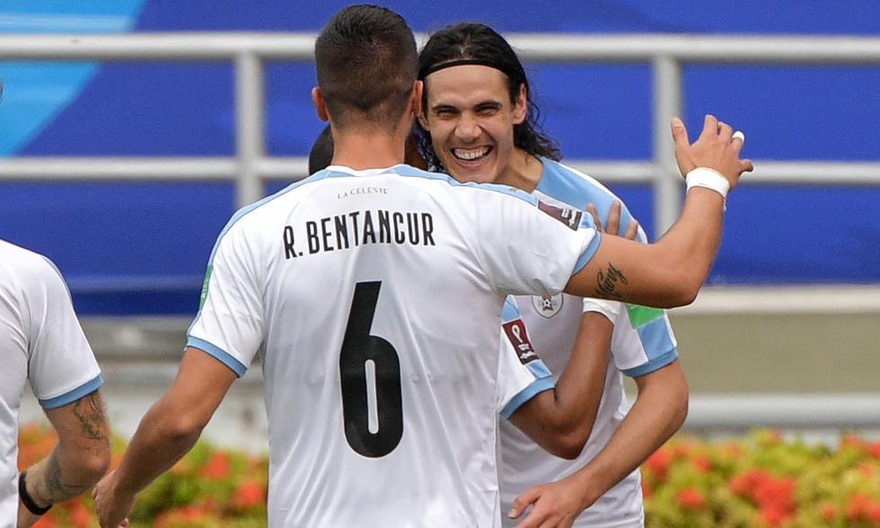 A los 14' , Cavani marcó un golazo imposible para Ospina en el Colombia-Uruguay