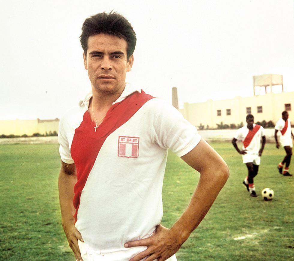 """Oswaldo """"Cachito"""" Ramírez fue internacional con la Selección peruana en 57 oportunidades anotando 17 goles, siendo los 2 más importantes los que le convirtió a la selección argentina en el empate 2 a 2 que nos clasificó para el mundial 1970. (Foto: GEC Archivo Histórico)"""