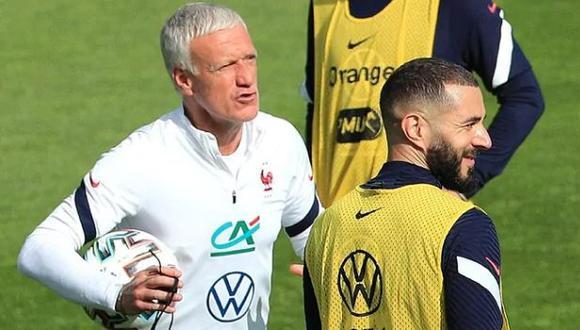 Didier Deschamps señalado por llevar a Karim Benzema a la Eurocopa. (Foto: EFE)