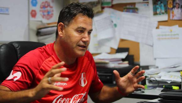 Ahmed dirigió a Deza en selección peruana Sub 20 que tuvo una destacada participación en el Sudamericano 2013 de la categoría disputado en Argentina. (Foto: GEC)