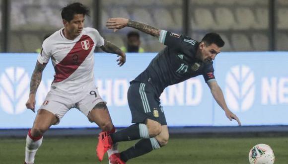 Gianluca Lapadula debutó ante Chile en las Eliminatorias Qatar 2022. (Foto: AFP)